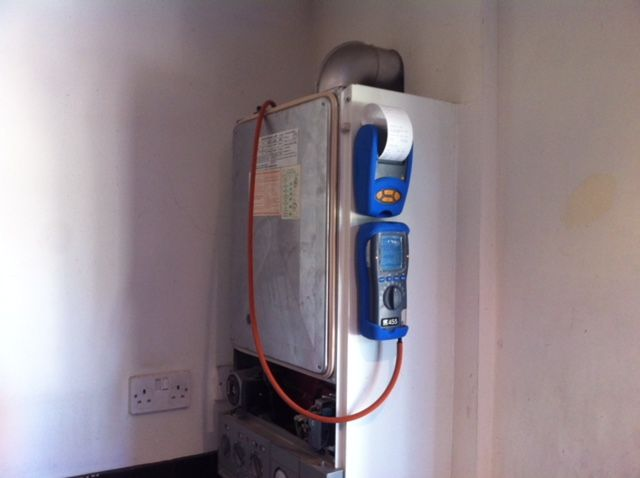 Gas safety check and heating installation