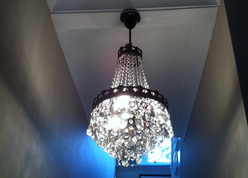 Install heavy chandelier light by OHM buidling and refurbishment services london