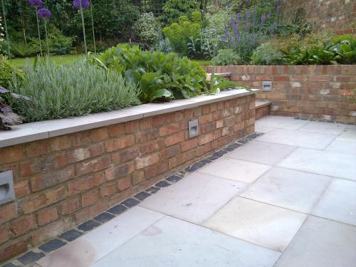 Install outdoor garden wall lights by OHM buidling and refurbishment services london